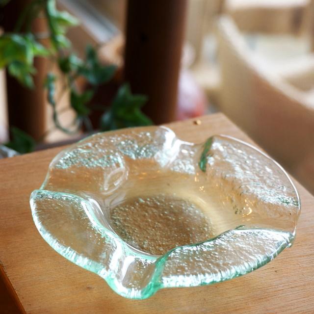 アジアンインテリアにアジアンな灰皿