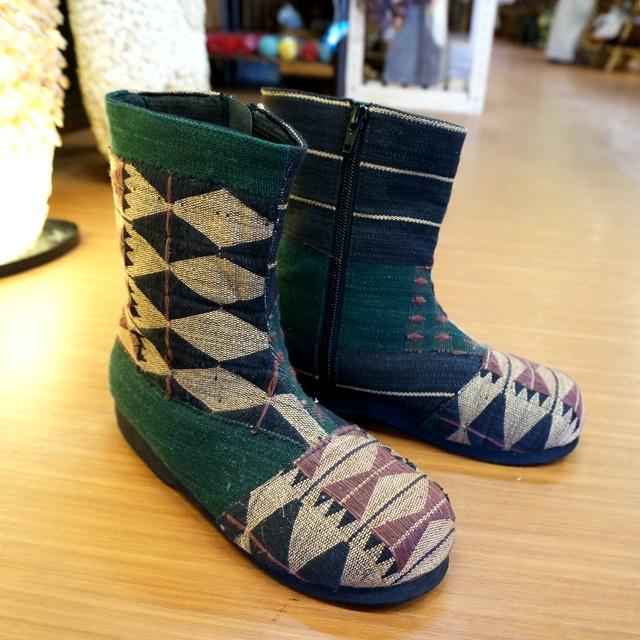 モン族ショートブーツとサボ/秋のエスニックファッション