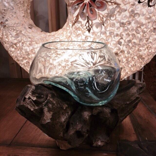 流木とガラスのアートオブジェ