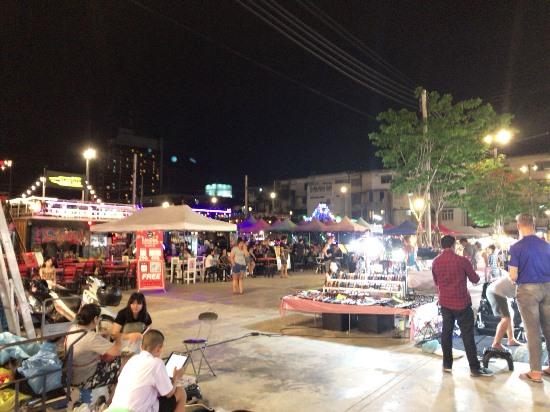 バンコク ナイトマーケット