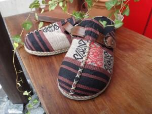 モン族、アカ族、ナガ族のサボ