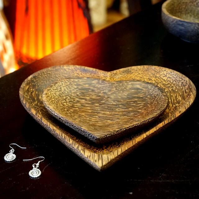ココナッツの皿/ココナッツツリーの食器/アジアンキッチン雑貨