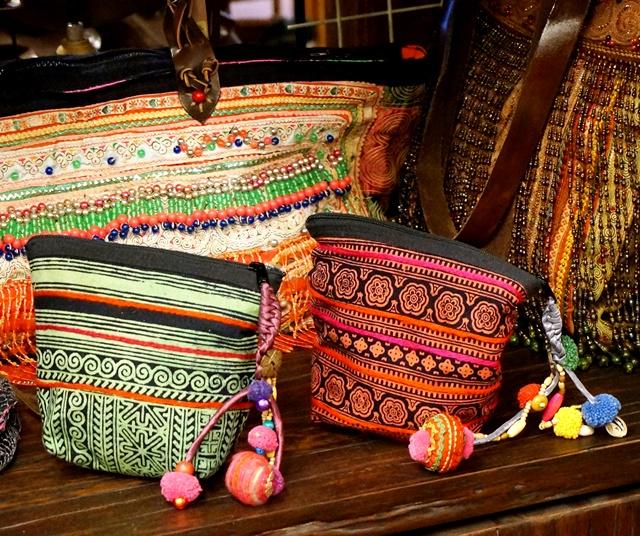 モン族刺繍ポーチ/エスニックファッション