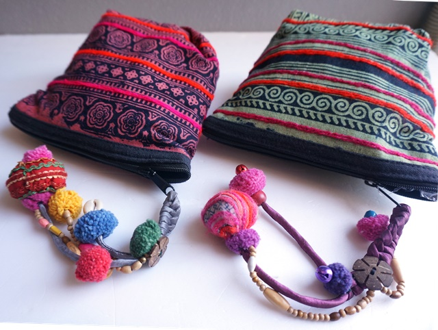 モン族刺繍ポーチ