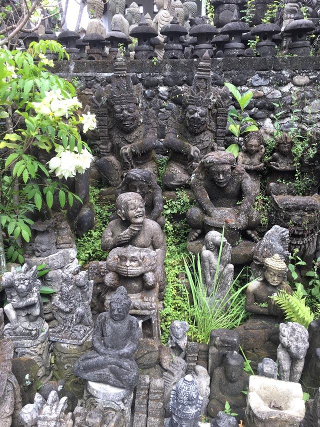 バリ石像/バトゥブラン村