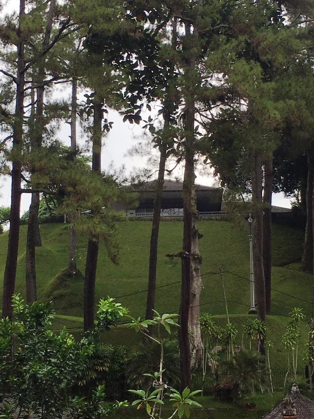 ティルタ・ウンプル寺院