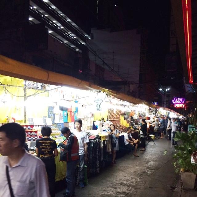 パッポンナイトマーケット/バンコク