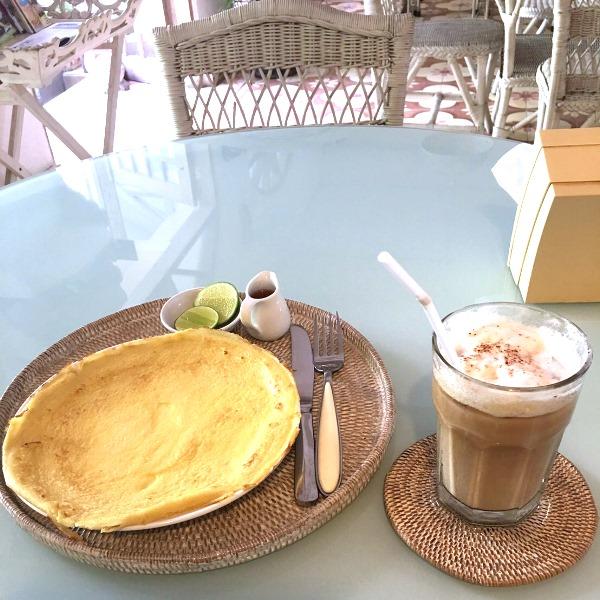 プティ・ピノ/サヌール カフェ