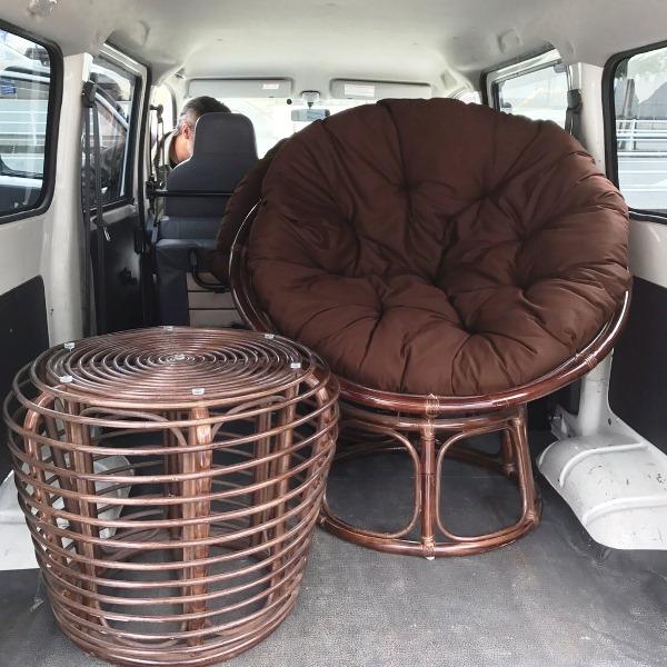 朝倉方面へ家具の配達/籐のパラボラチェアとコーヒーテーブル