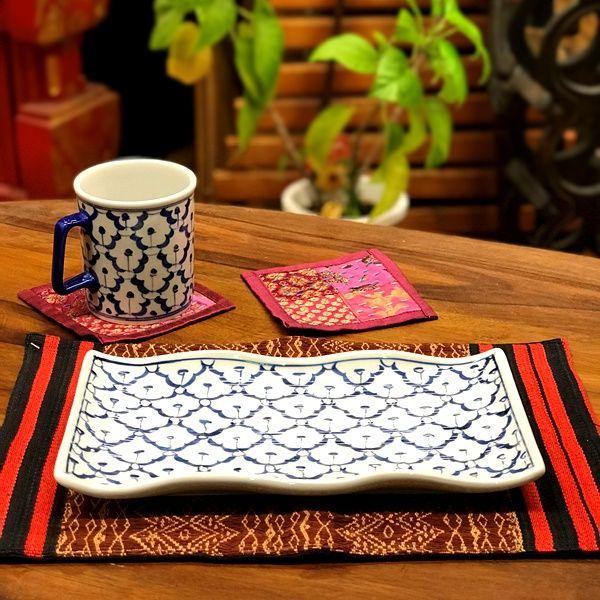 ブルー&ホワイトの食器/タイの染めつけ パイナップル柄食器