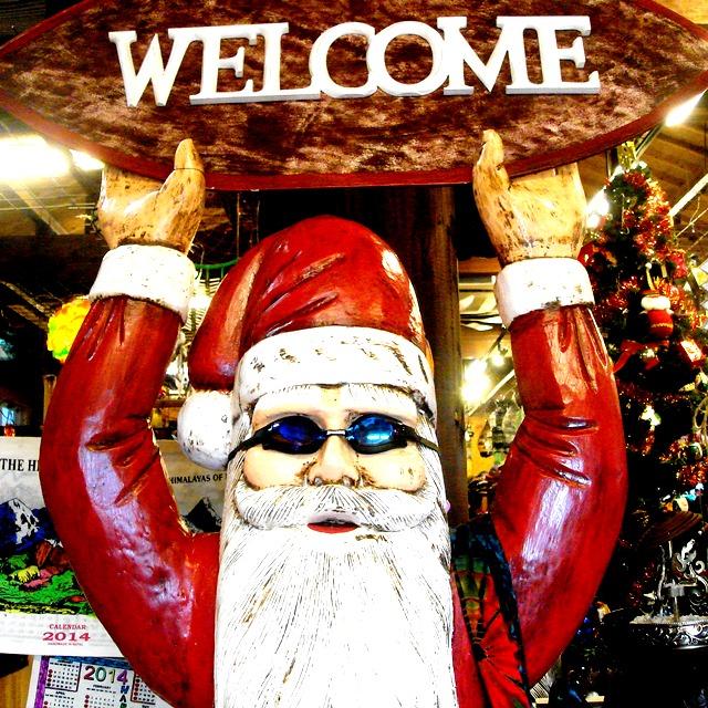 バリタイのメリークリスマス/木彫りのサンタクロース
