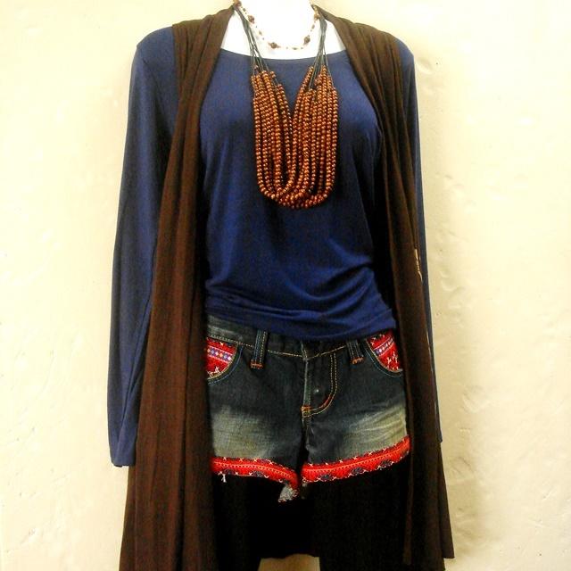 デニム地のモン族エスニックファッション