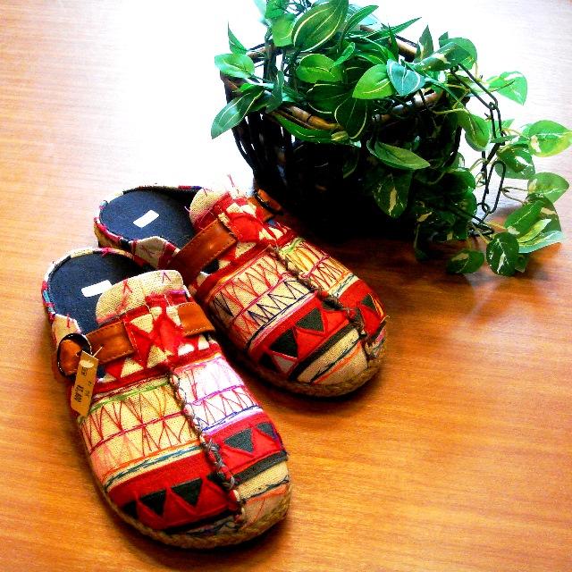 モン族刺繍サボサンダル