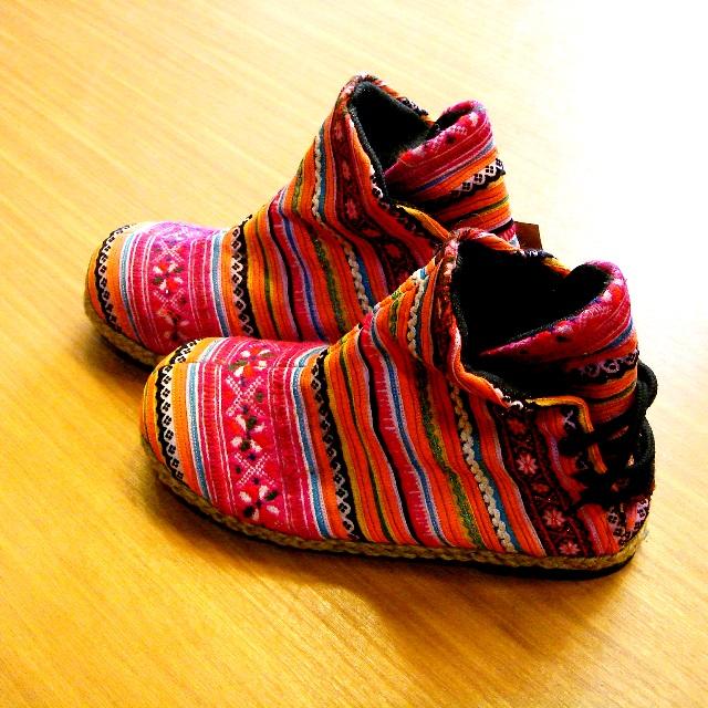 モン族ブーツ/秋冬物の靴・ブーツが入荷中