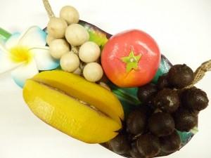 木彫りのフルーツ&バナナリーフのセット
