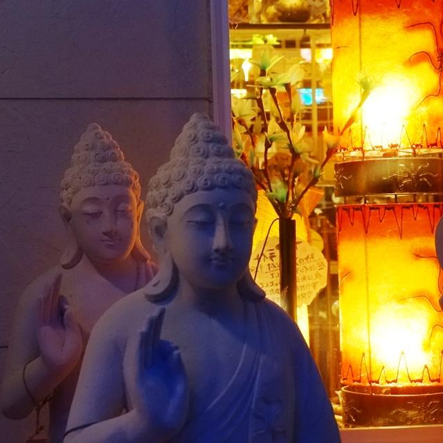 ライムストーン/仏像
