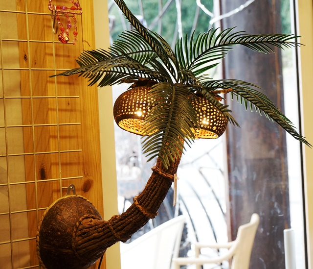 ブラケットランプ/ブラケットライト・・椰子の木のランプ
