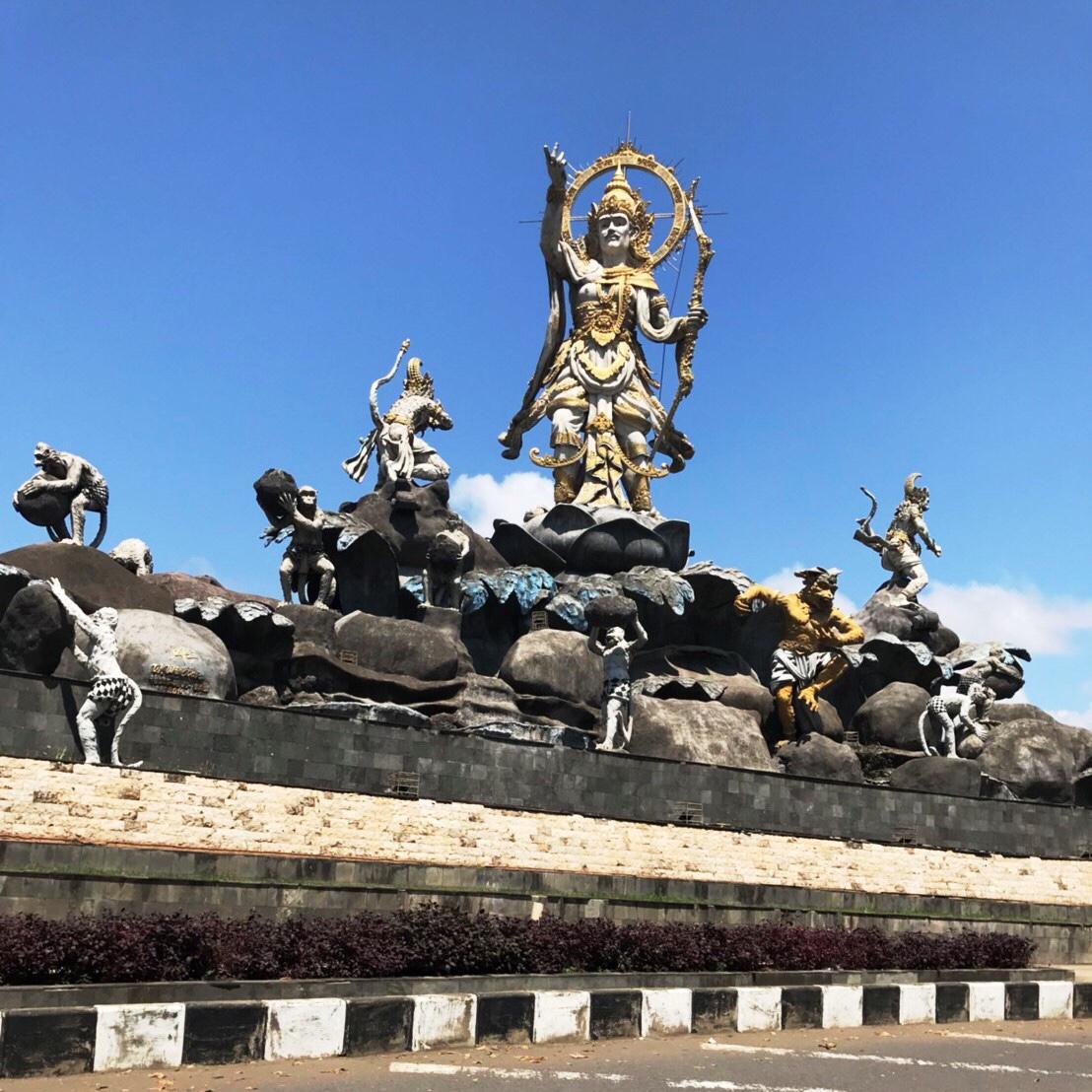 ティティバンダ記念碑