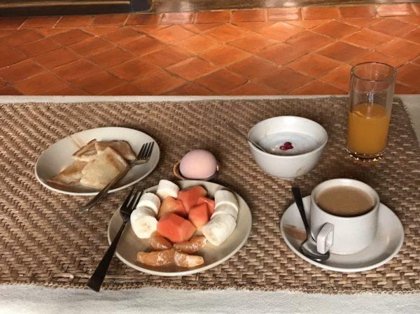 ネパール 朝ごはん