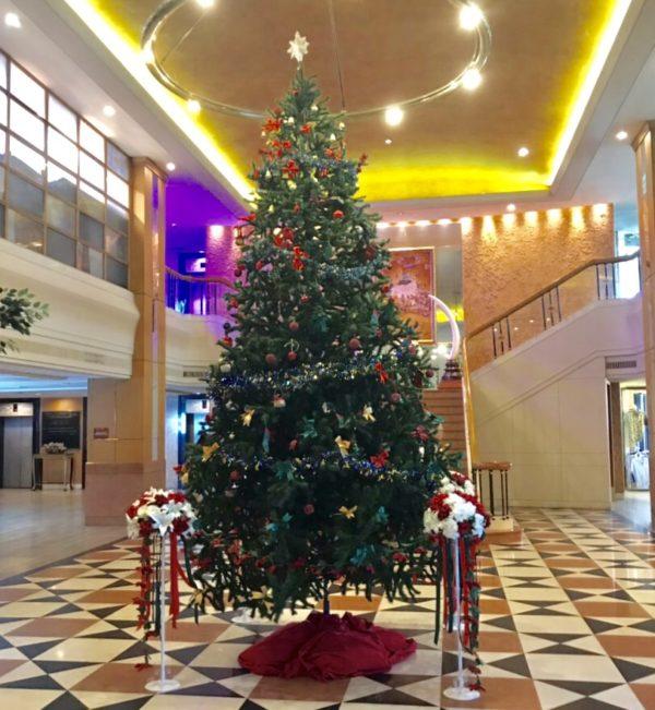 タイ クリスマスツリー インドラホテル