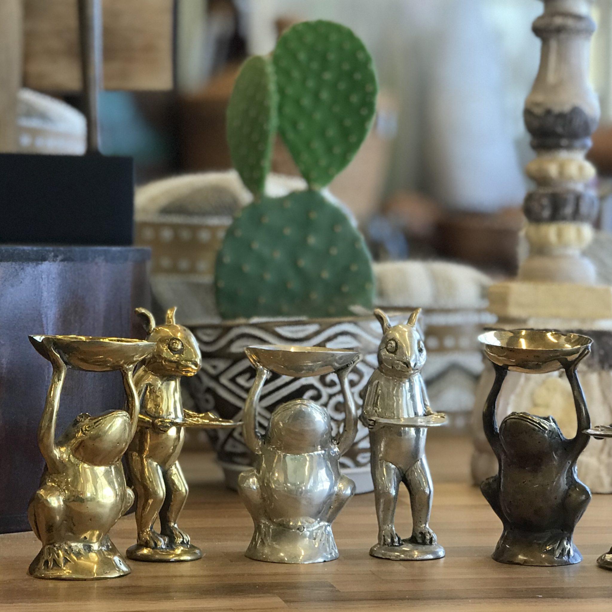 カエルのオブジェ/ウサギのオブジェ/真鍮の置き物/アジアン雑貨