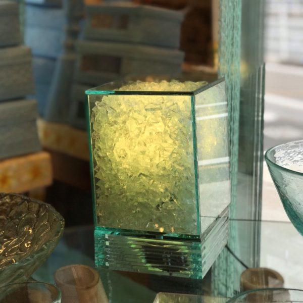 ガラスのテーブルライト