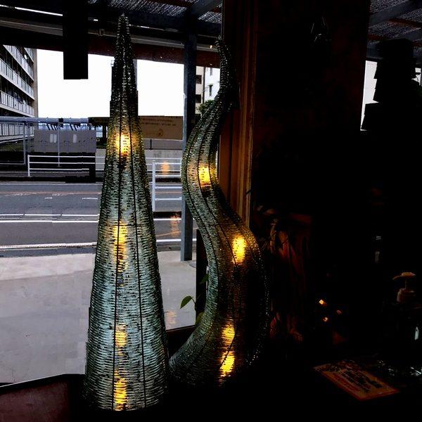 ガラスのフロアライト
