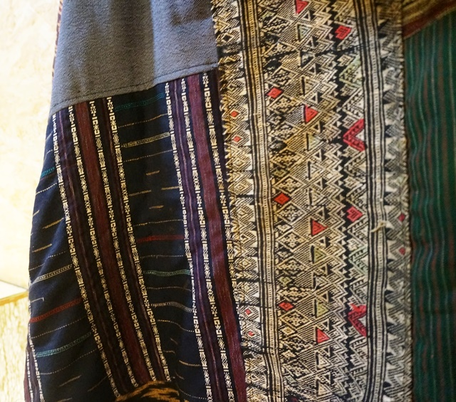 ラオス浮き織り パーカー