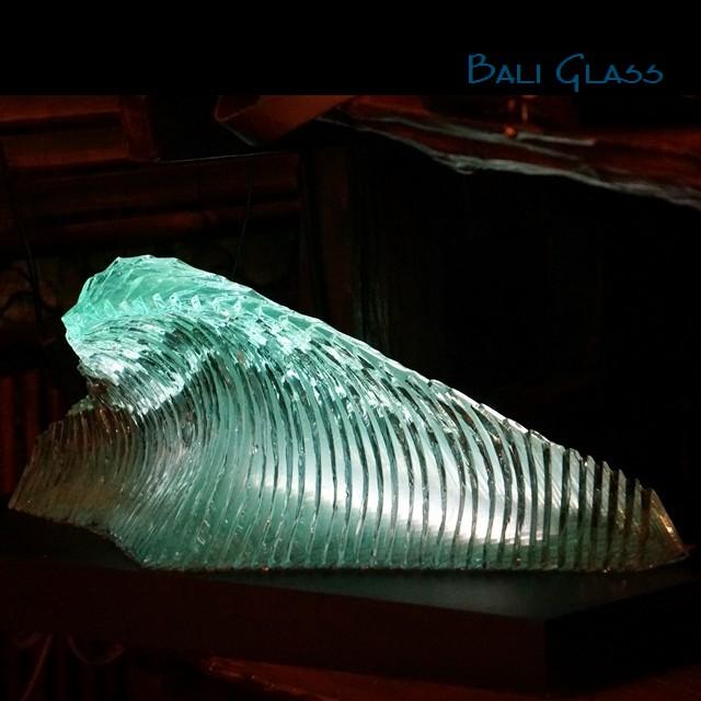 バリガラス/波