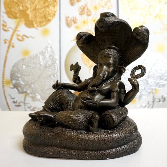 ガネーシャ像/三つ首コブラ