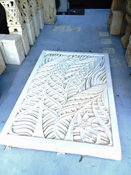 透かし彫りパネル ライムストーン