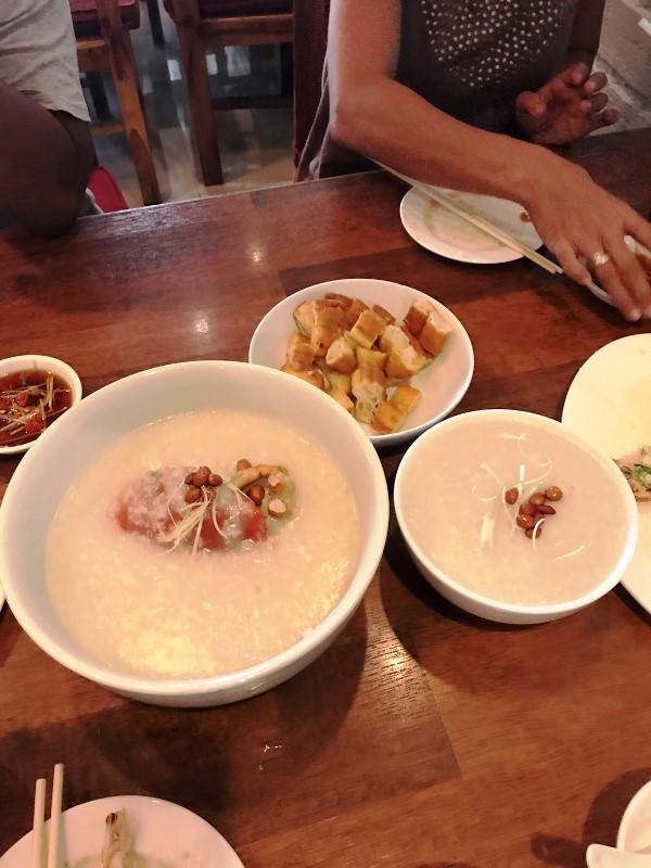 ワルンラオタ(老大) シーフード粥