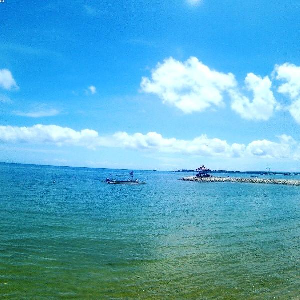 サヌールビーチ/バリ島
