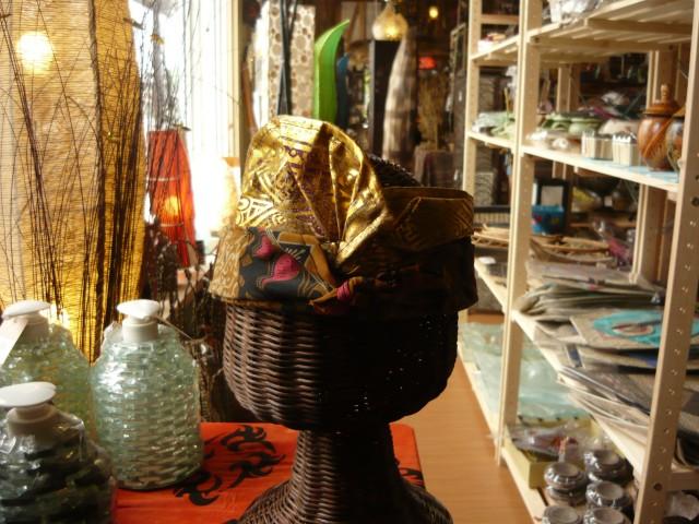 バリ民族衣装 ウドゥン